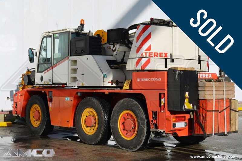 grua movil DEMAG